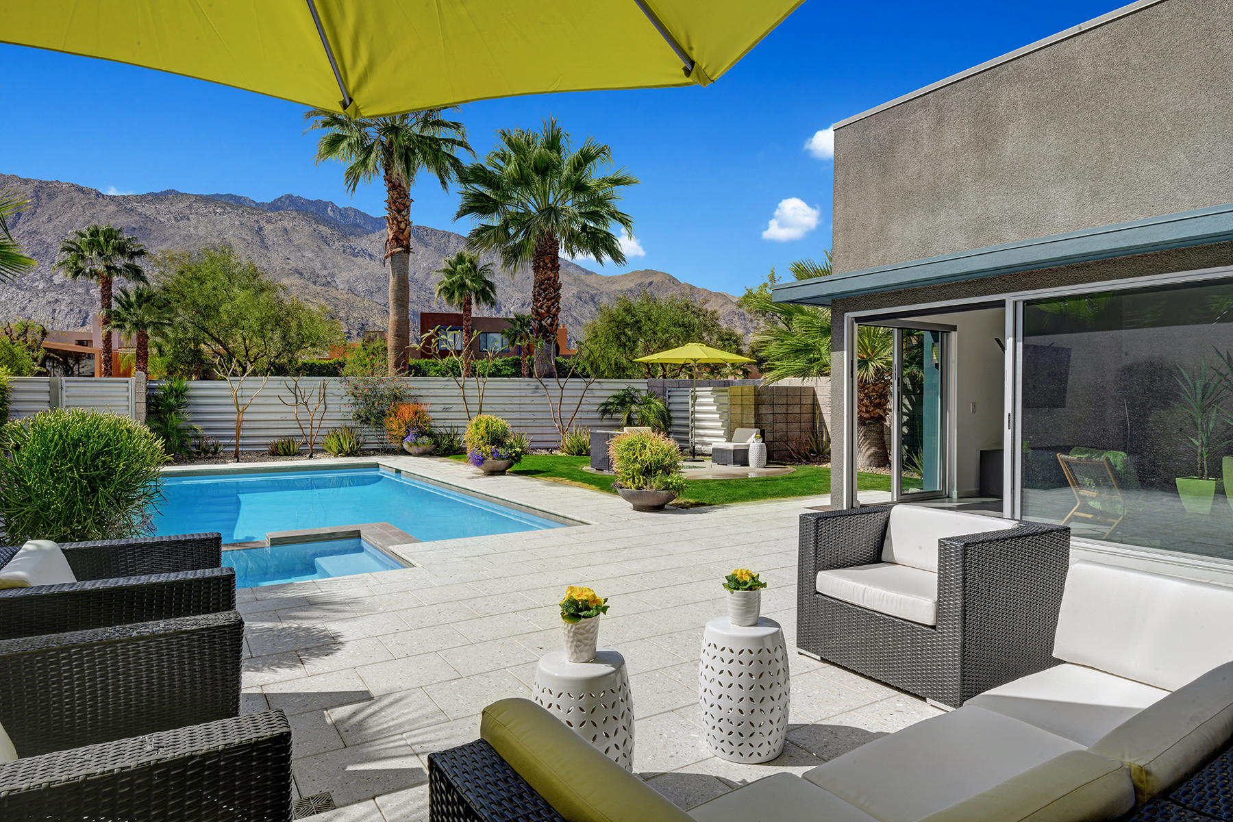 Photo of 471 Dion Drive, Palm Springs, CA 92262
