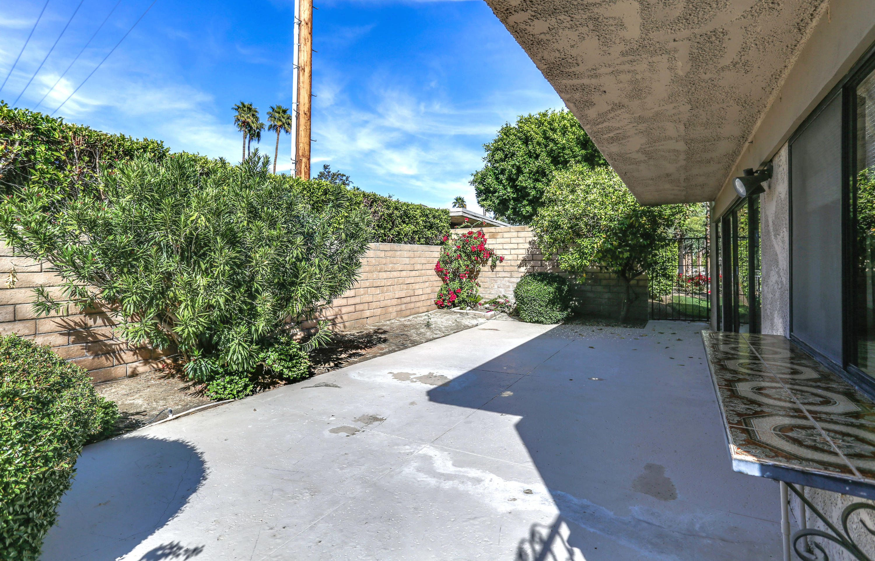 1749 E Sandalwood Drive, Palm Springs, California 92262, 2 Bedrooms Bedrooms, ,2 BathroomsBathrooms,Residential,For Sale,1749 E Sandalwood Drive,219040663