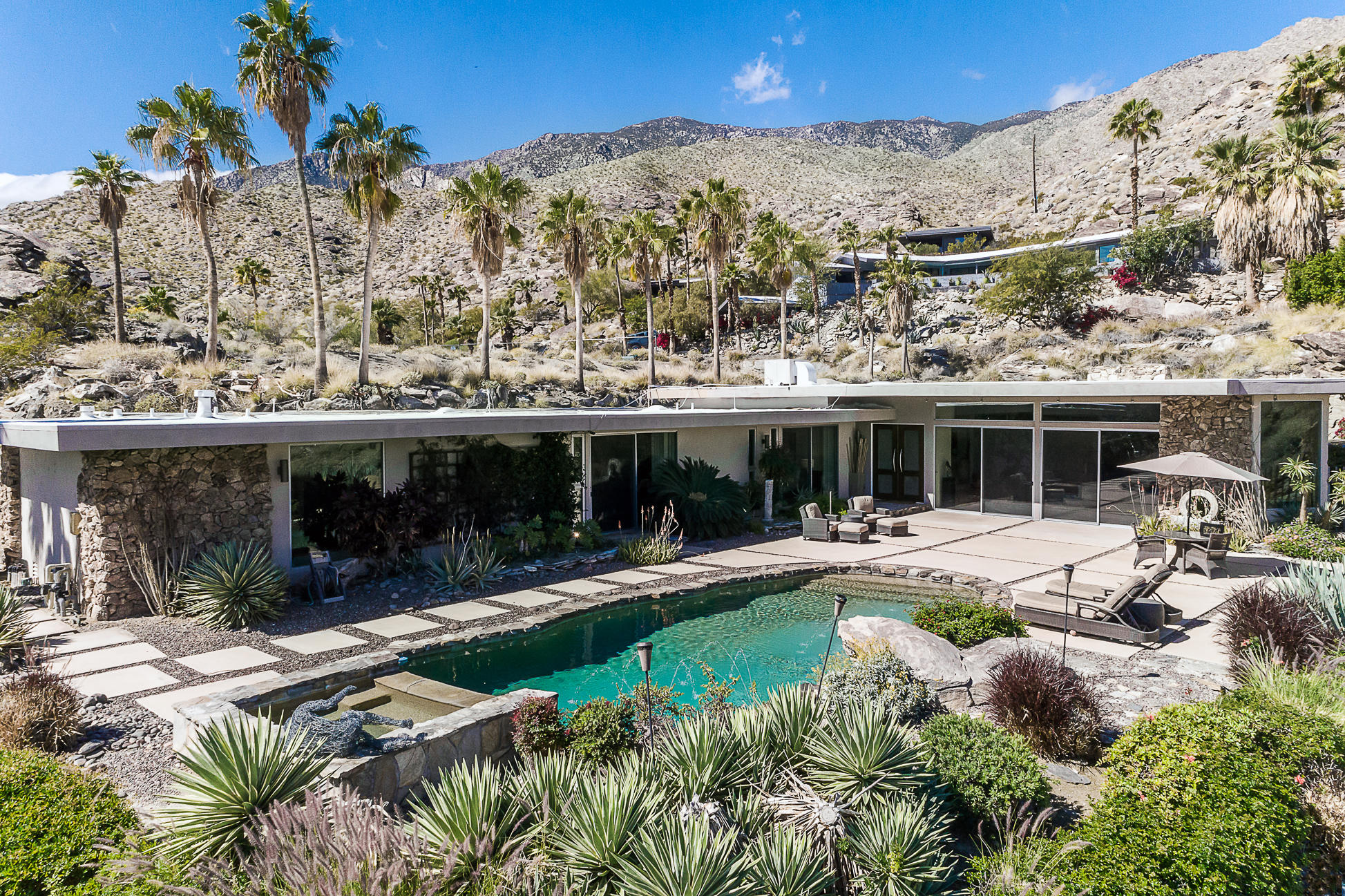 Photo of 2481 Cahuilla Hills Drive, Palm Springs, CA 92264