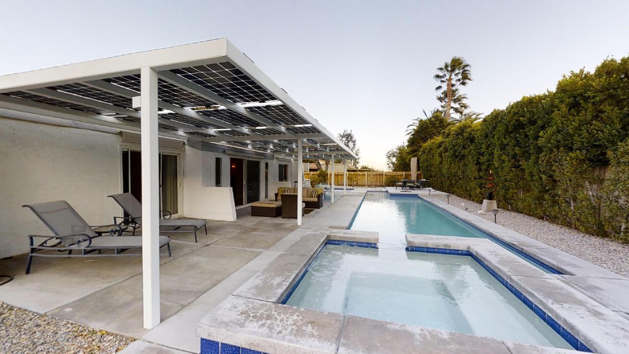1475 E Via Escuela, Palm Springs, California 92262, 3 Bedrooms Bedrooms, ,2 BathroomsBathrooms,Residential,For Sale,1475 E Via Escuela,219041195