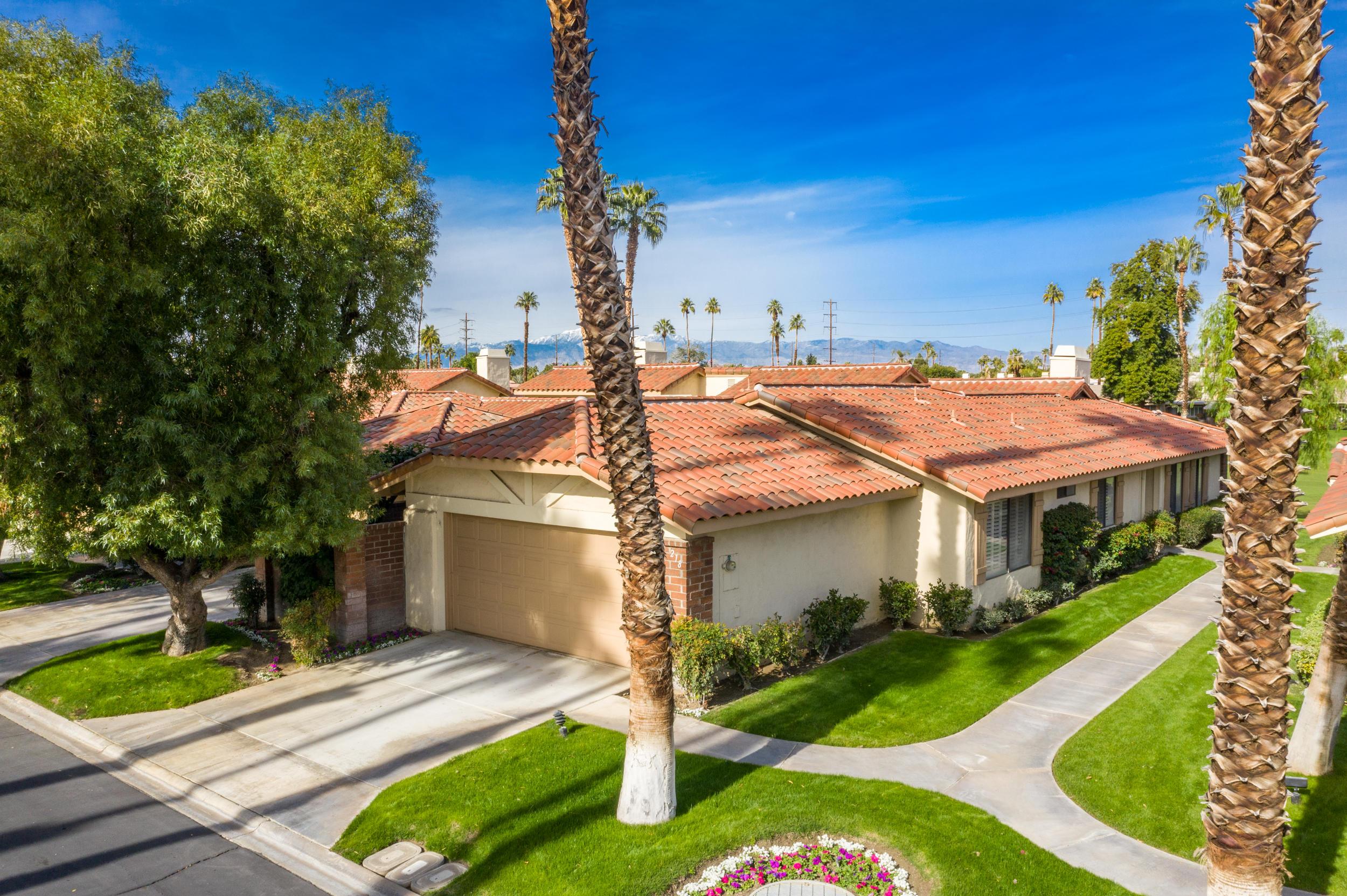 218 La Paz Way, Palm Desert, California 92260, 3 Bedrooms Bedrooms, ,2 BathroomsBathrooms,Residential,For Sale,218 La Paz Way,219041567