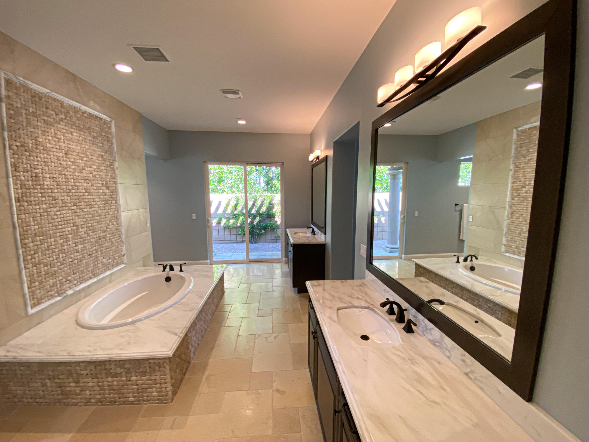 17 Emerald Court, Rancho Mirage, California 92270, 3 Bedrooms Bedrooms, ,4 BathroomsBathrooms,Residential,For Sale,17 Emerald Court,219041595