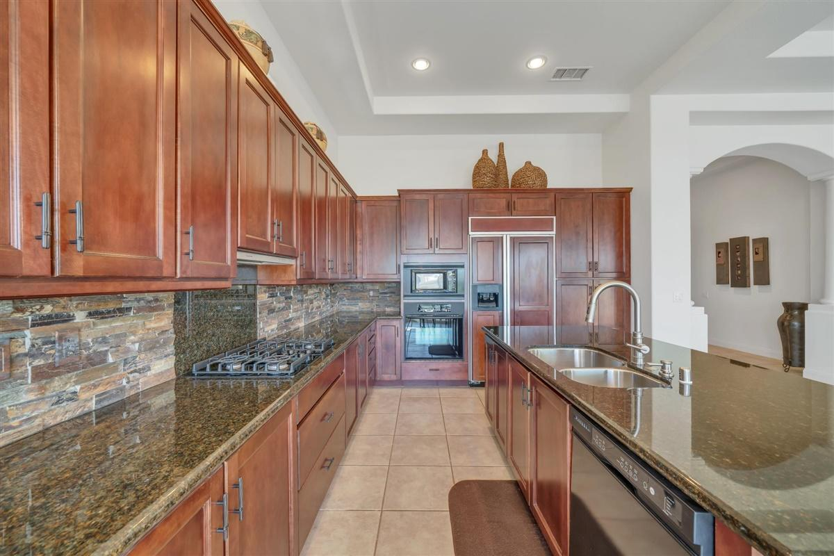 51686 Via Sorrento, La Quinta, California 92253, 3 Bedrooms Bedrooms, ,4 BathroomsBathrooms,Residential,For Sale,51686 Via Sorrento,219041617