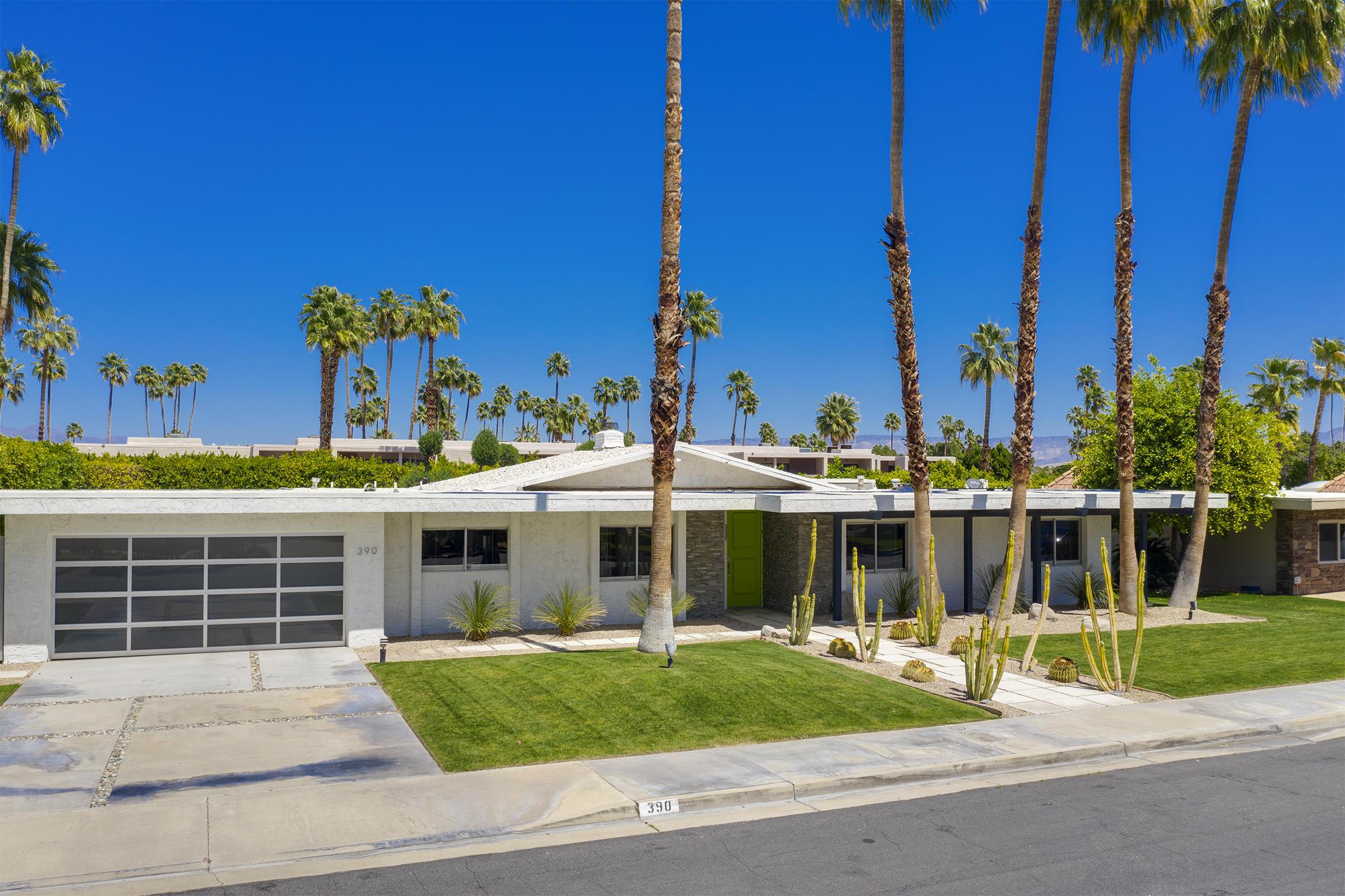 Photo of 390 E Santiago Way, Palm Springs, CA 92264