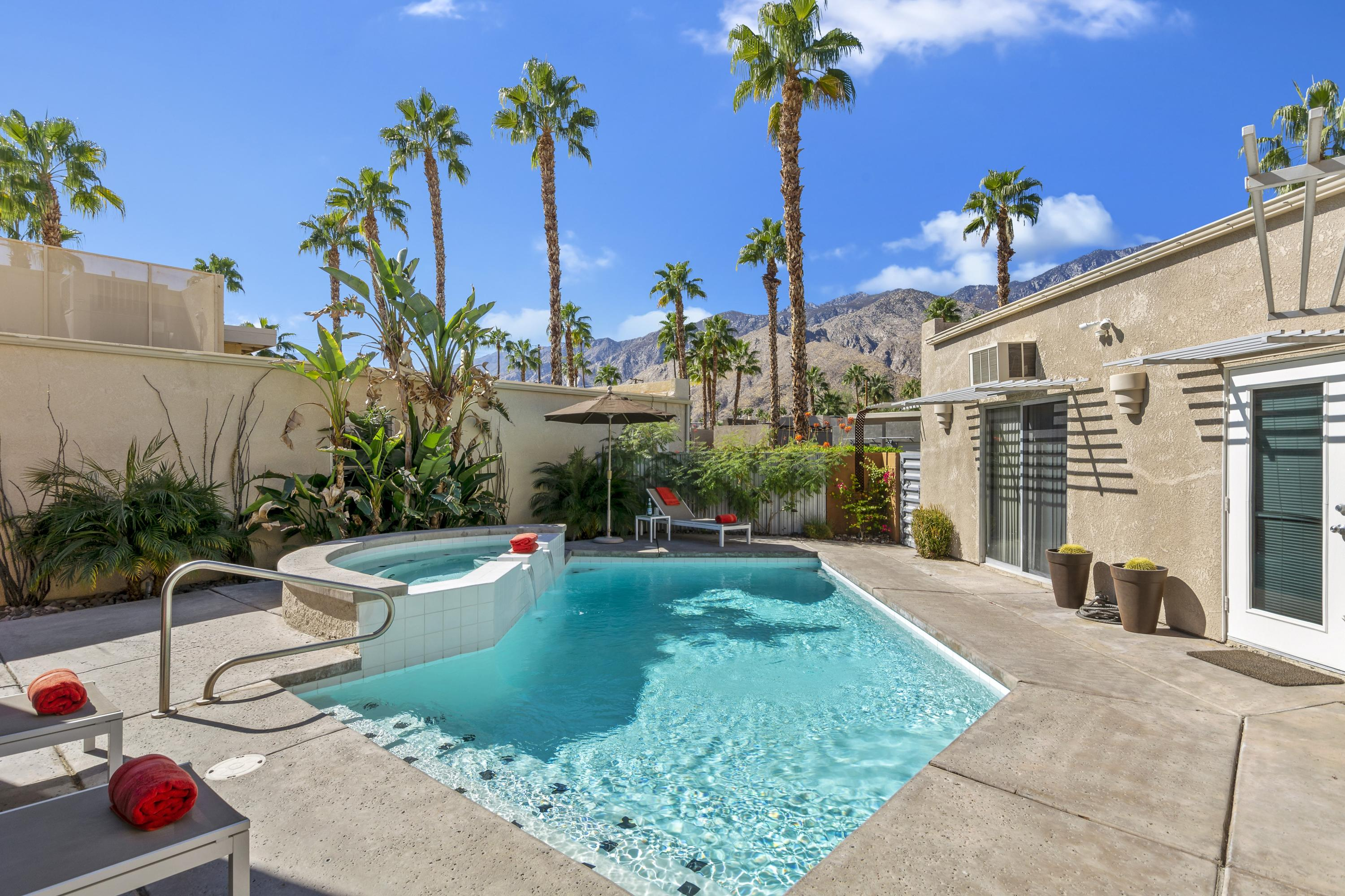Photo of 668 Dunes Court, Palm Springs, CA 92264