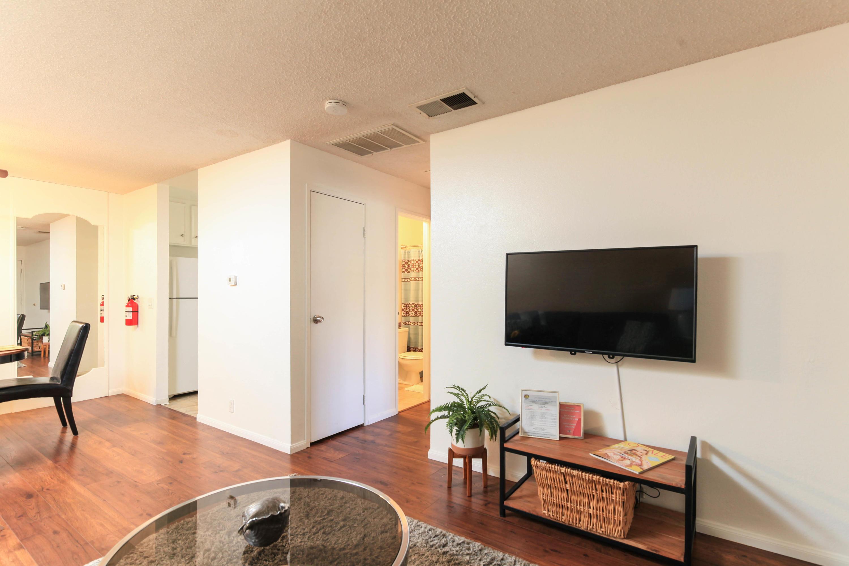Photo of 420 N Villa Court #208, Palm Springs, CA 92262