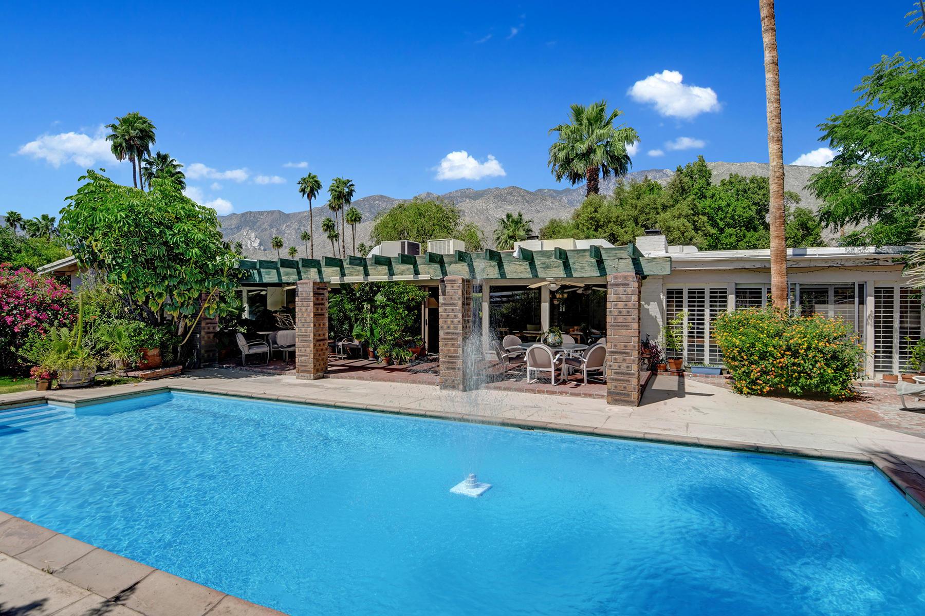 Photo of 1228 E San Lorenzo Road, Palm Springs, CA 92264