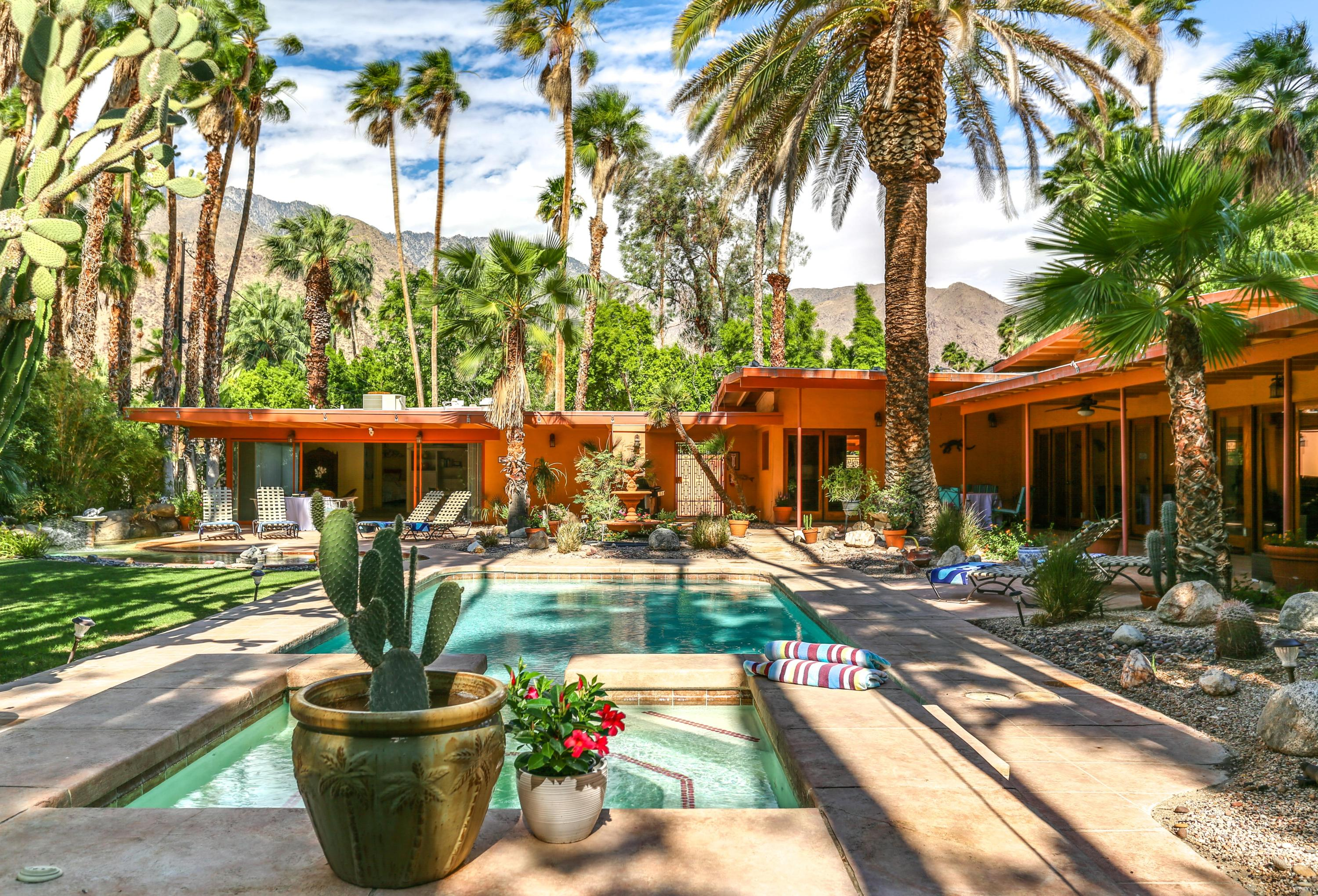 Photo of 421 W Mariscal Road, Palm Springs, CA 92262