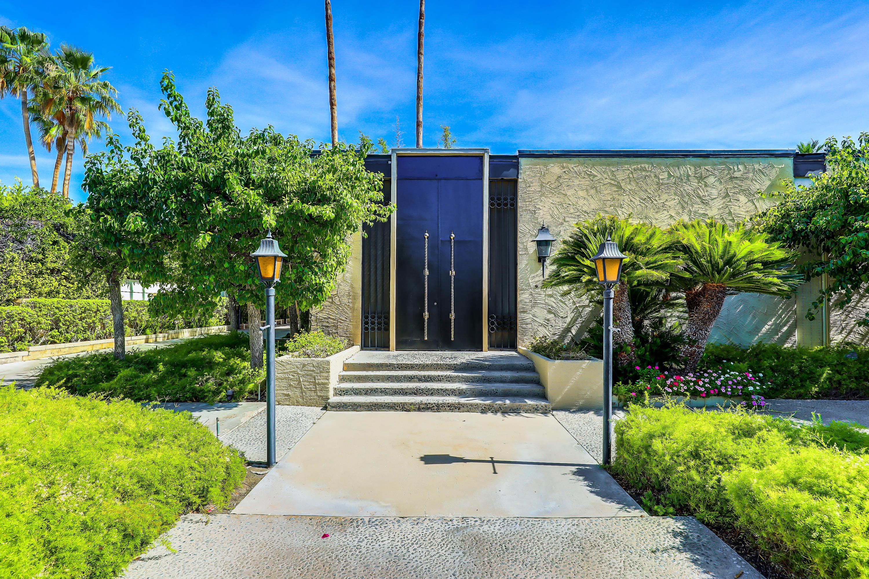 Photo of 350 W Via Lola, Palm Springs, CA 92262