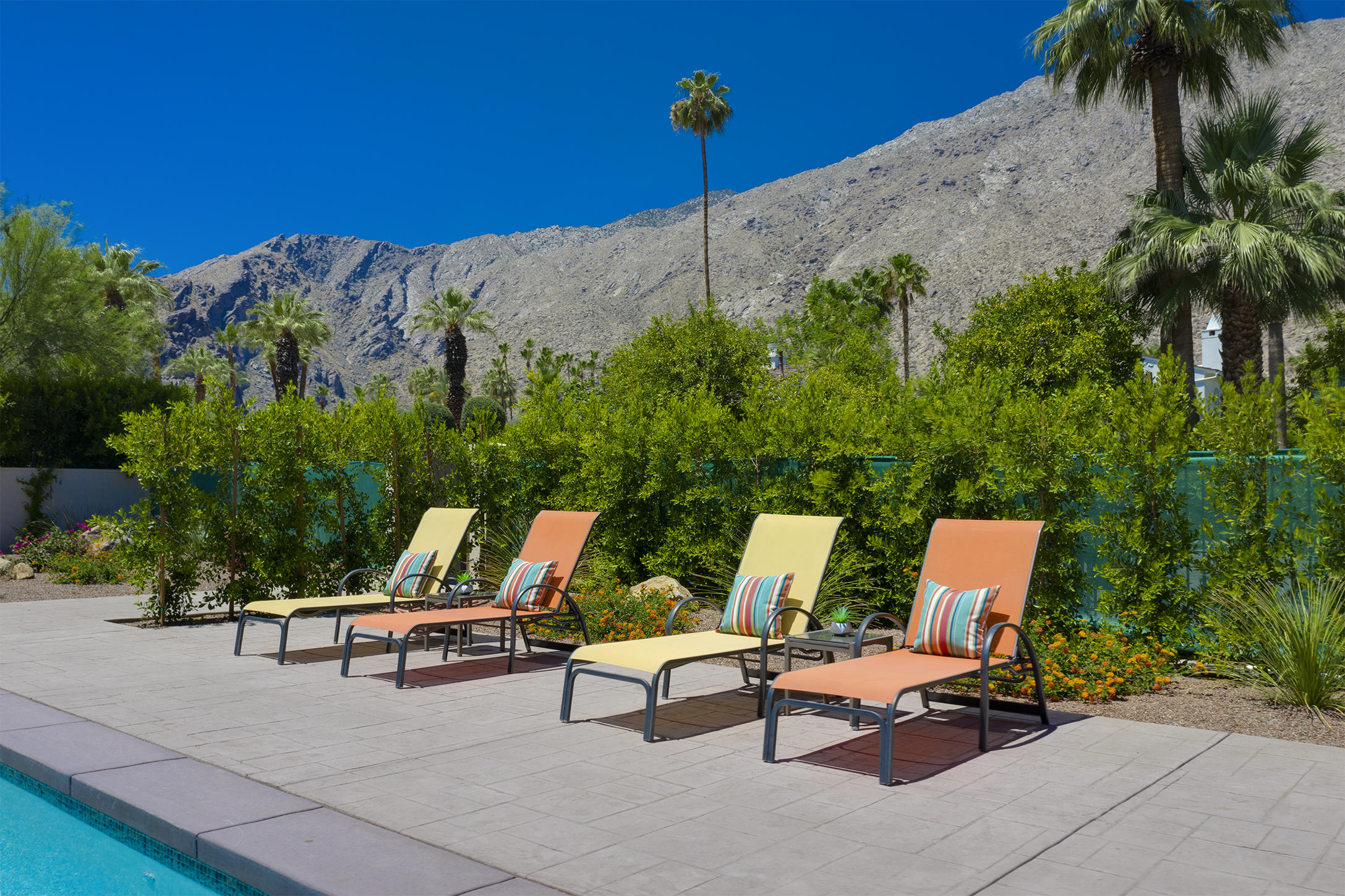 Photo of 414 S Monte Vista Drive, Palm Springs, CA 92262