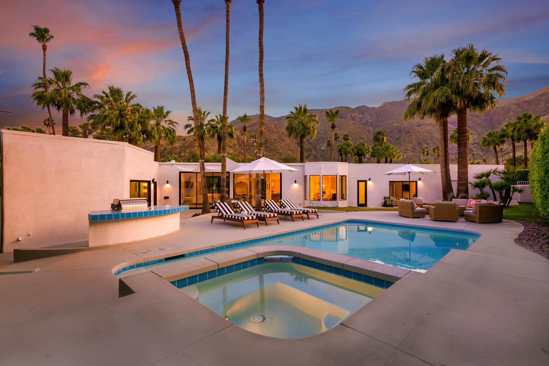 370 W Vía Lola, Palm Springs, CA 92262