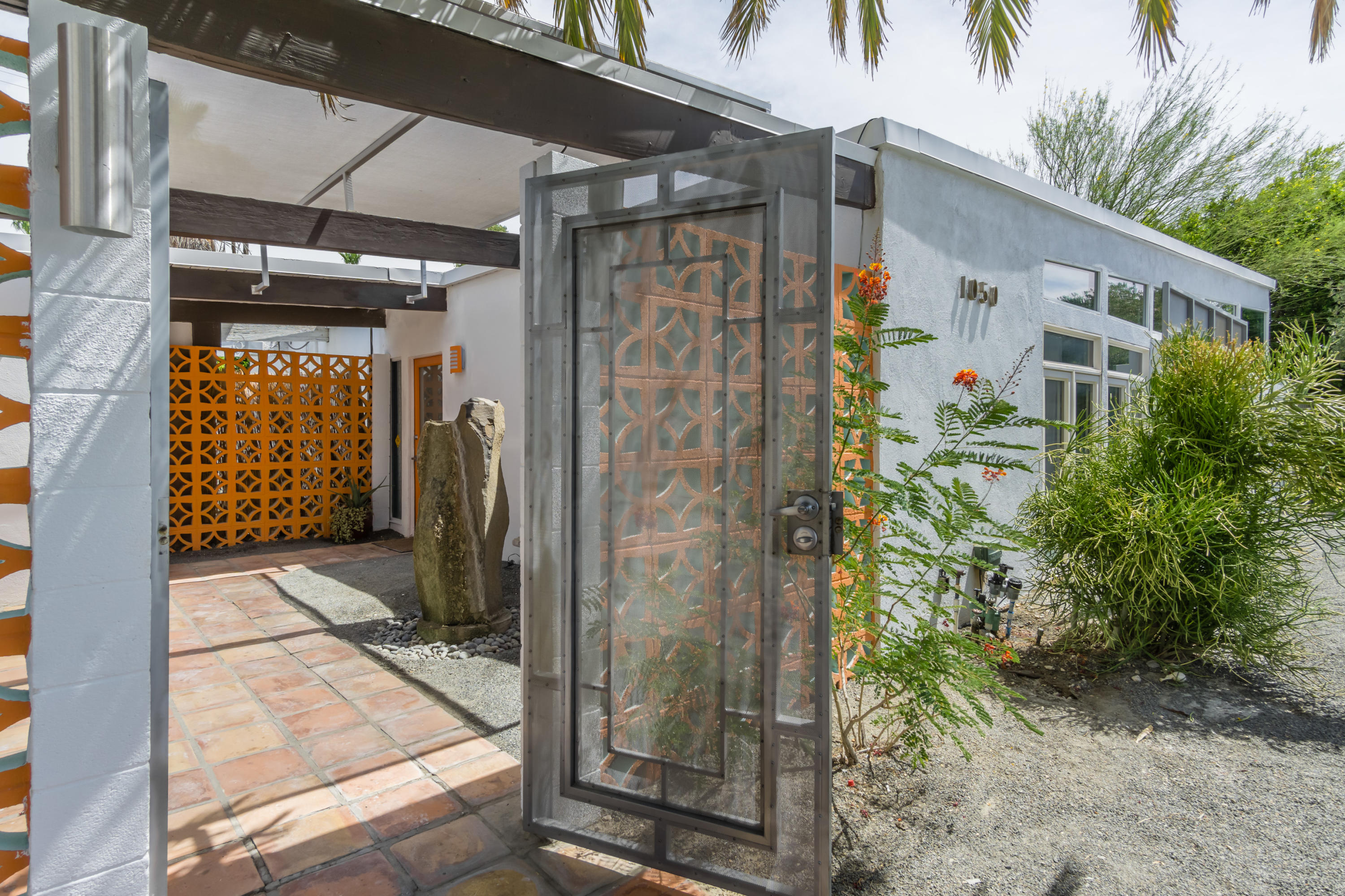 1050 E Racquet Club Road, Palm Springs, California 92262, 3 Bedrooms Bedrooms, ,3 BathroomsBathrooms,Residential,For Sale,1050 E Racquet Club Road,219045200