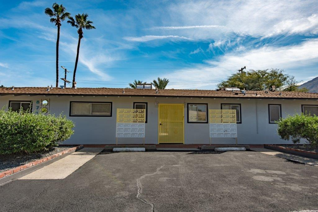 Photo of 877 E Cottonwood Road, Palm Springs, CA 92262