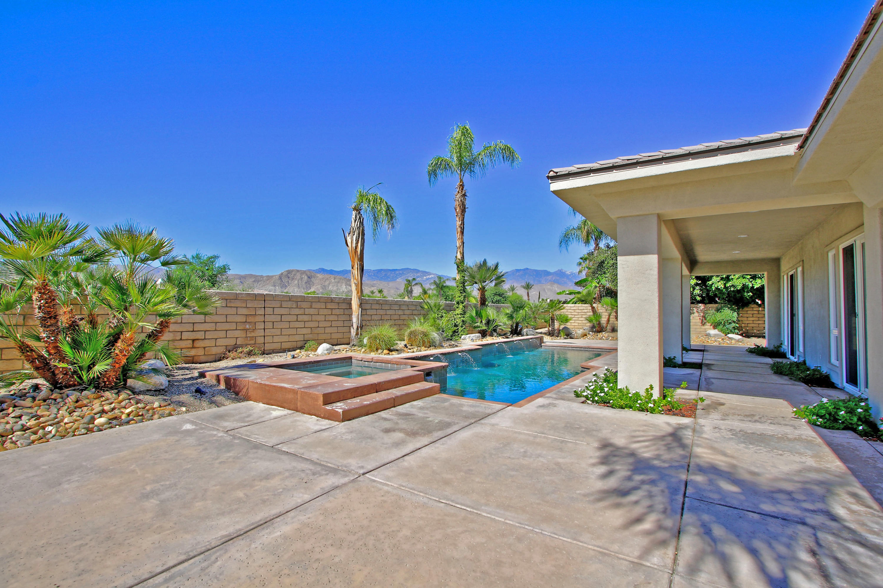 20 Oakmont Drive, Rancho Mirage, California 92270, 3 Bedrooms Bedrooms, ,4 BathroomsBathrooms,Residential,For Sale,20 Oakmont Drive,219045562