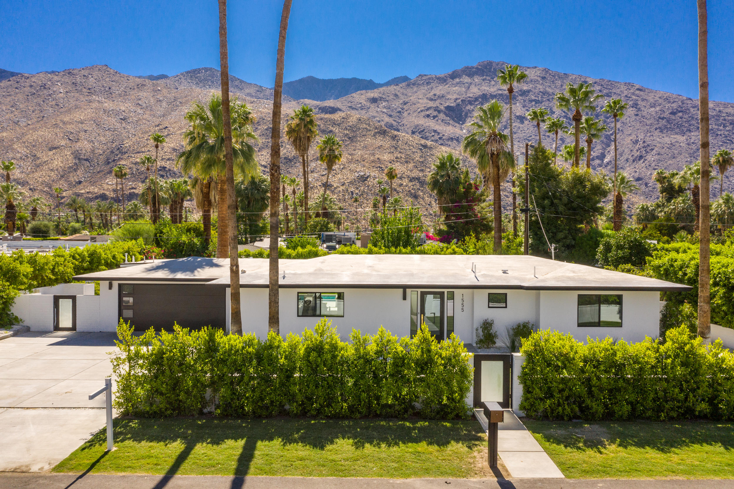 Photo of 1555 S Indian Trail, Palm Springs, CA 92264