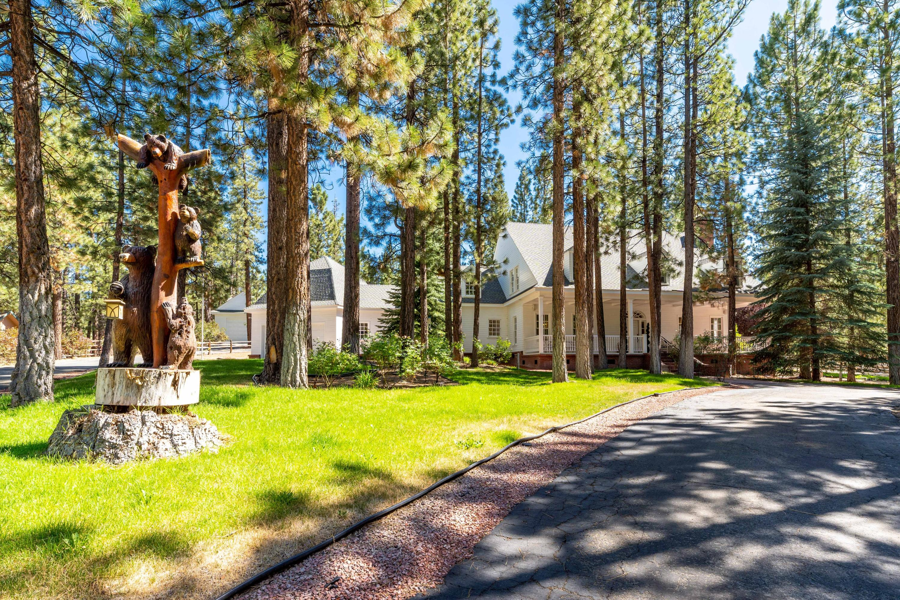 Photo of 42441 Juniper Drive, Big Bear Lake, CA 92315