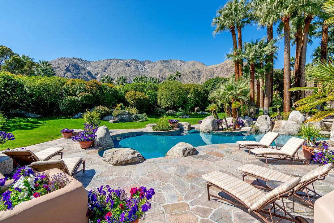 475 S Vía Las Palmas, Palm Springs, CA 92262