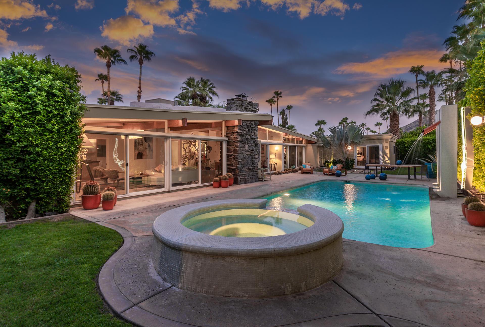 Photo of 1197 N Via Monte Vista, Palm Springs, CA 92262