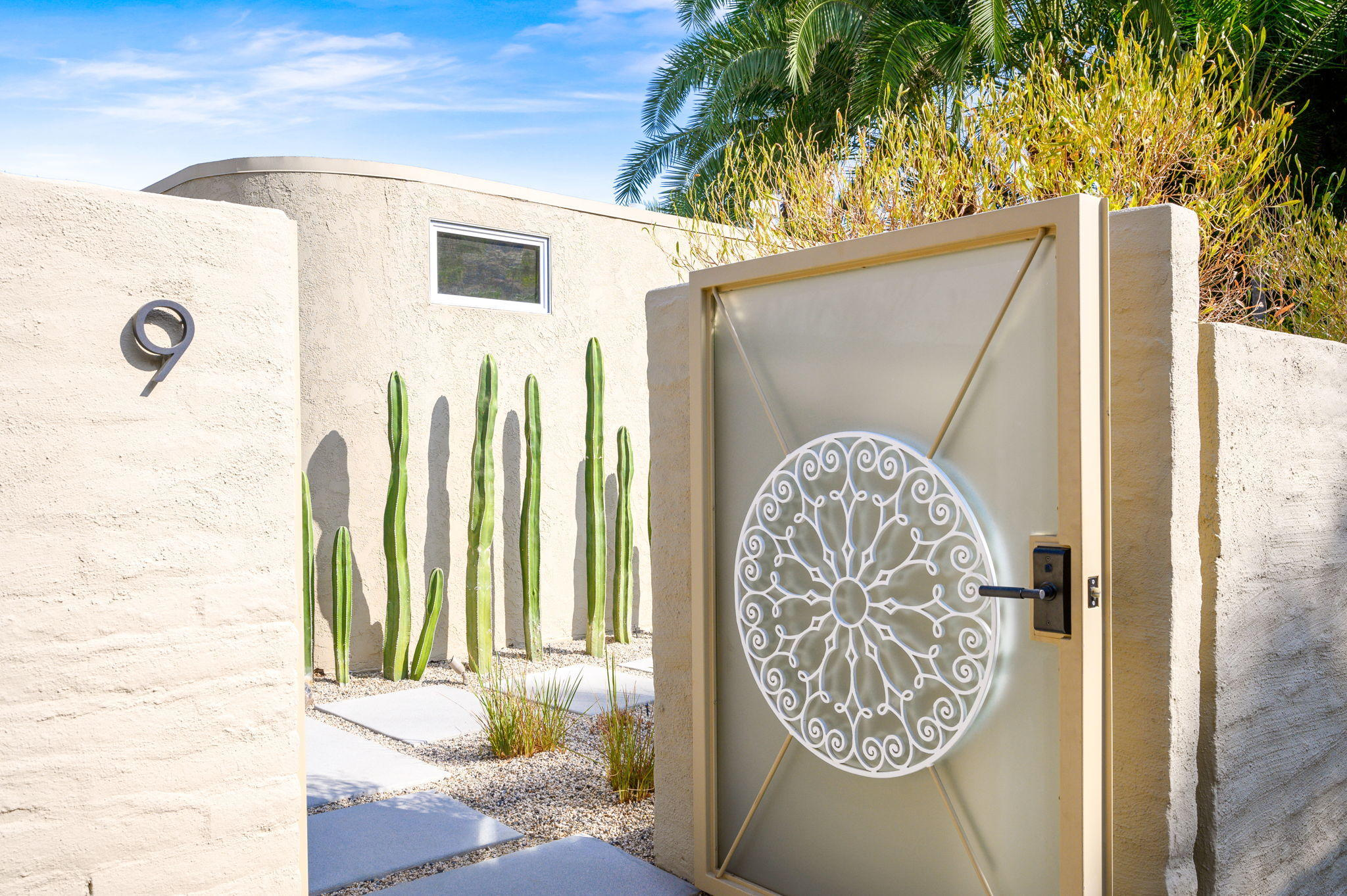 Photo of 555 W Baristo Road #9, Palm Springs, CA 92262