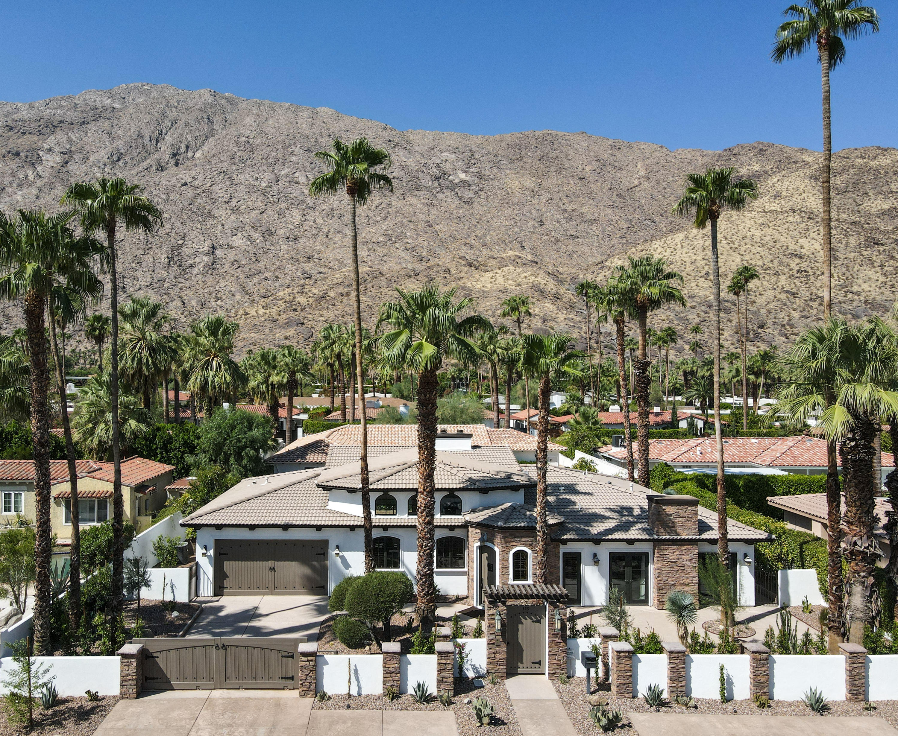 Photo of 359 S Monte Vista Drive, Palm Springs, CA 92262