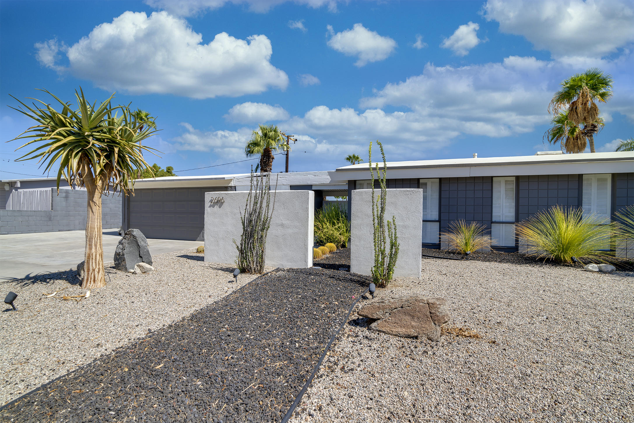 Photo of 2696 N Avenida Caballeros, Palm Springs, CA 92262