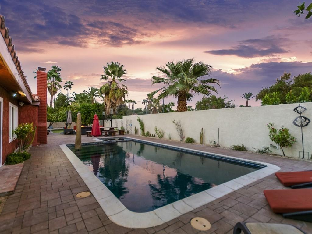 Photo of 530 N Arquilla Road, Palm Springs, CA 92262