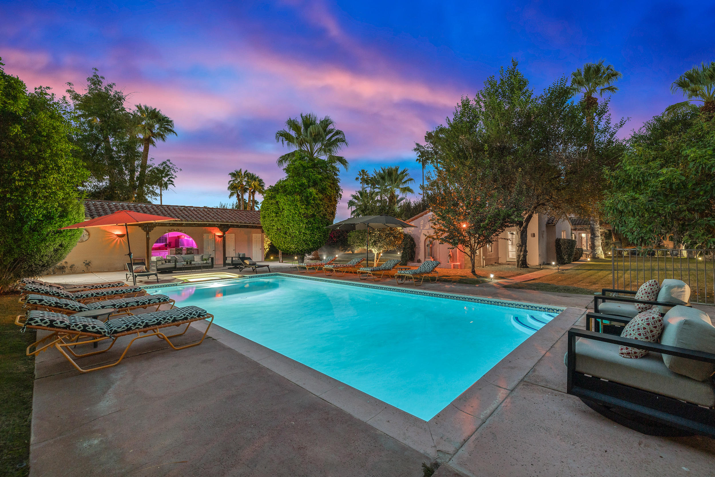 Photo of 222 W Chino Drive, Palm Springs, CA 92262