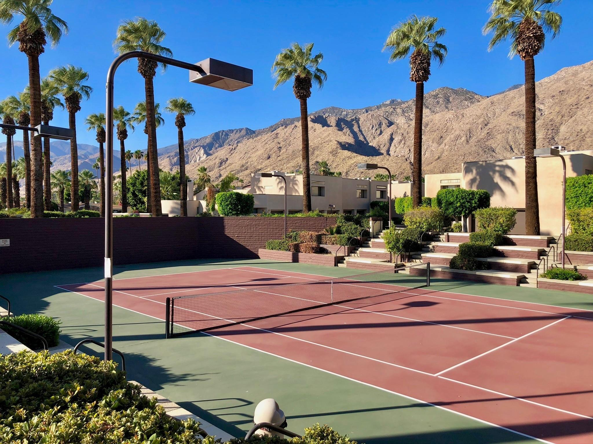 Photo of 999 Village Square, Palm Springs, CA 92262