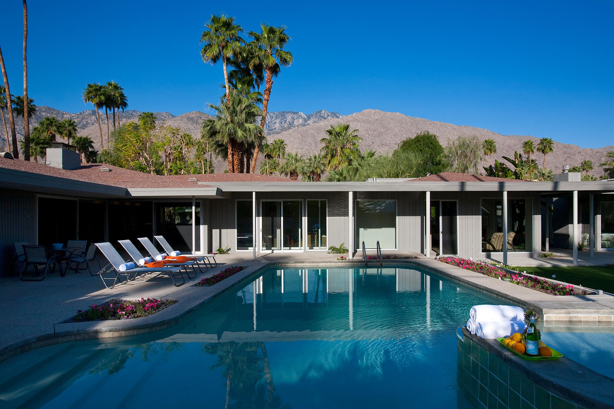 Photo of 1076 E Deepwell Road, Palm Springs, CA 92264