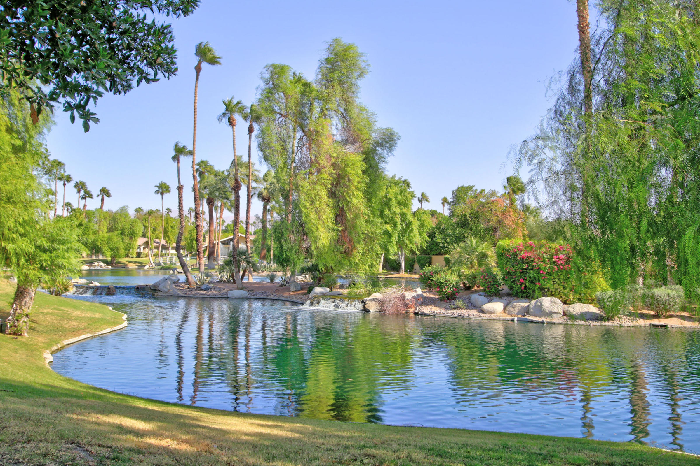 172 Lost River Drive, Palm Desert, CA 92211