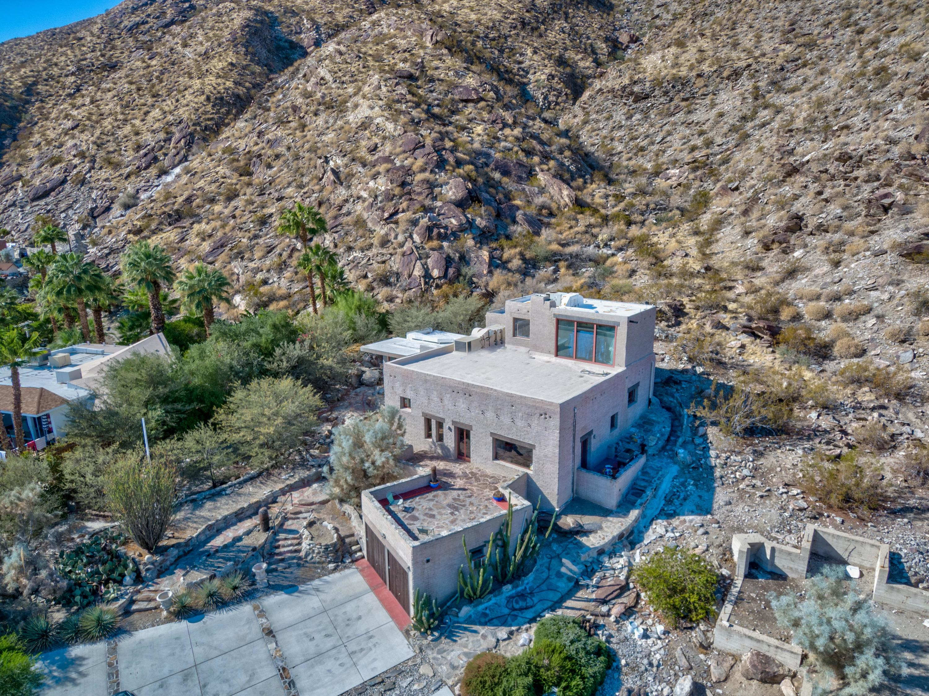 Photo of 1851 W Crestview Drive, Palm Springs, CA 92264