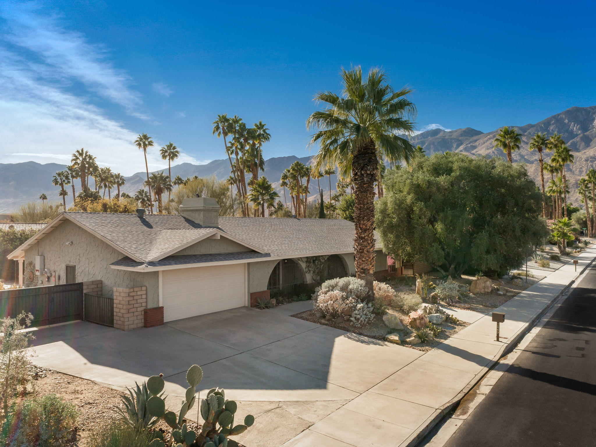 Photo of 2449 E Sonora Road, Palm Springs, CA 92264
