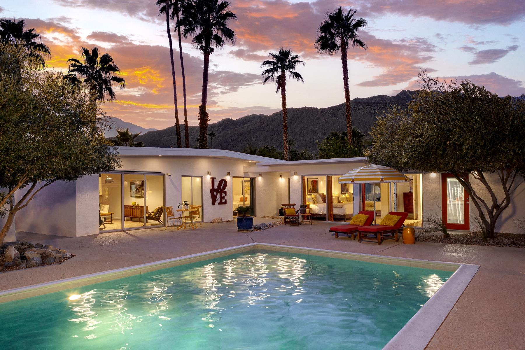 Photo of 1110 E Via Altamira, Palm Springs, CA 92262