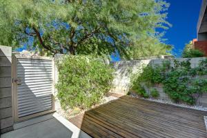 3568 Quiet Side Street, Palm Springs, CA 92262