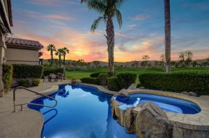 641 Indian Ridge Drive, Palm Desert, CA 92211