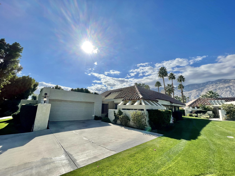 Photo of 975 Saint George Circle #B, Palm Springs, CA 92264