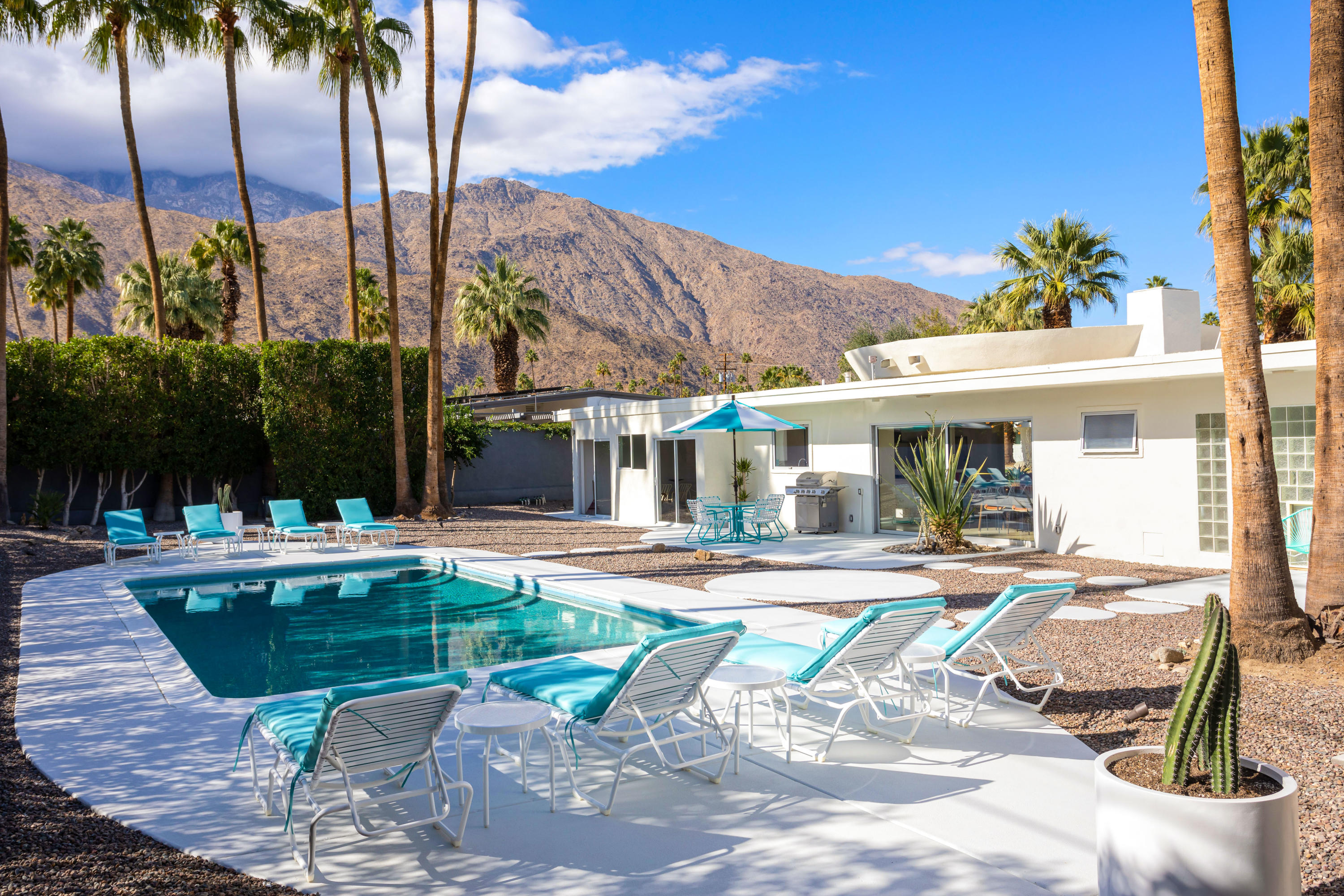Photo of 981 E Marion Way, Palm Springs, CA 92264