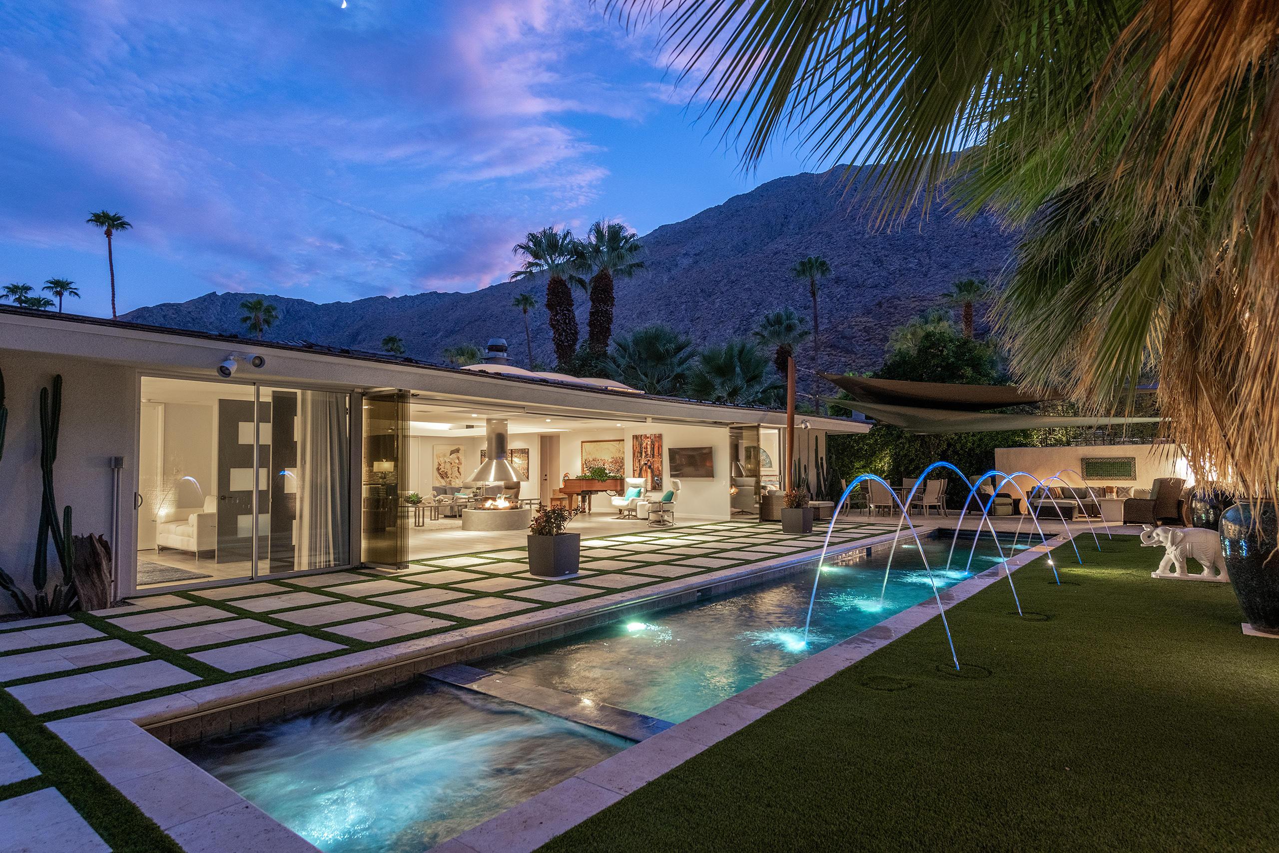 Photo of 580 W Panga Way, Palm Springs, CA 92262