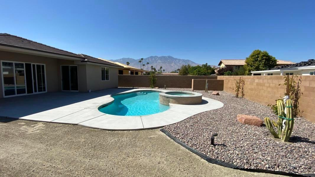 Your looking for a new Home? Look no more, this New Home has it all! 4 Bedrooms, 3 Baths, 2500 S.F., Pool & Spa with low maintenance