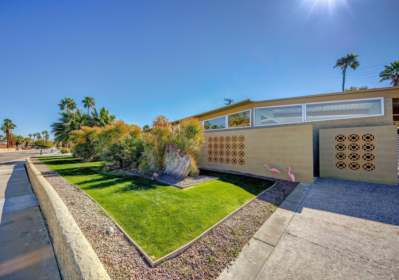 Photo of 805 E Garden Road, Palm Springs, CA 92262