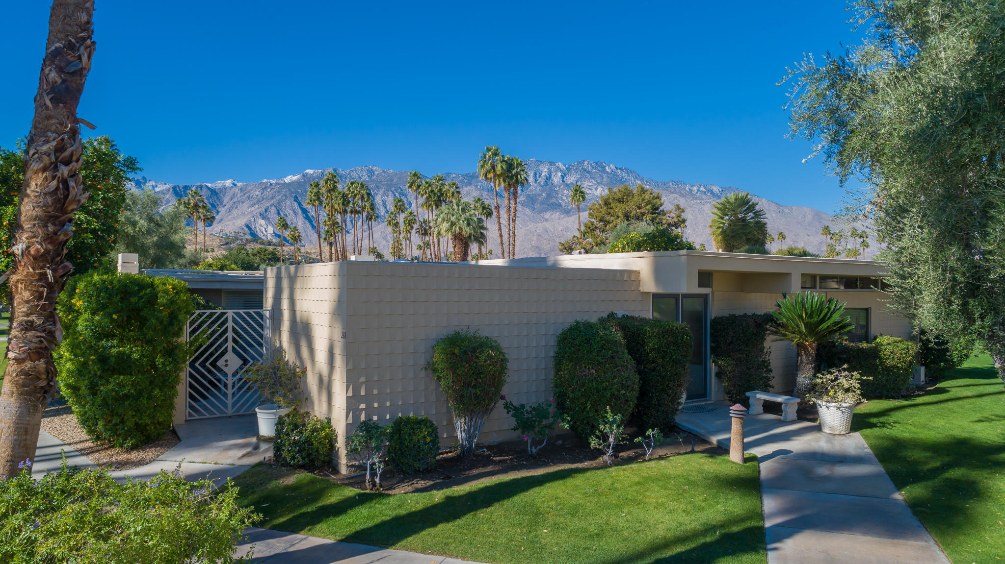 Photo of 266 Desert Lakes Drive, Palm Springs, CA 92264