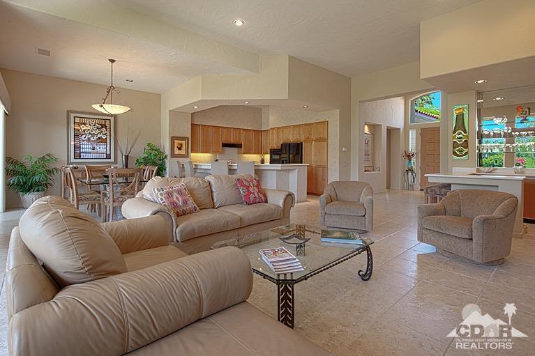 Photo of 379 Tomahawk Drive, Palm Desert, CA 92211