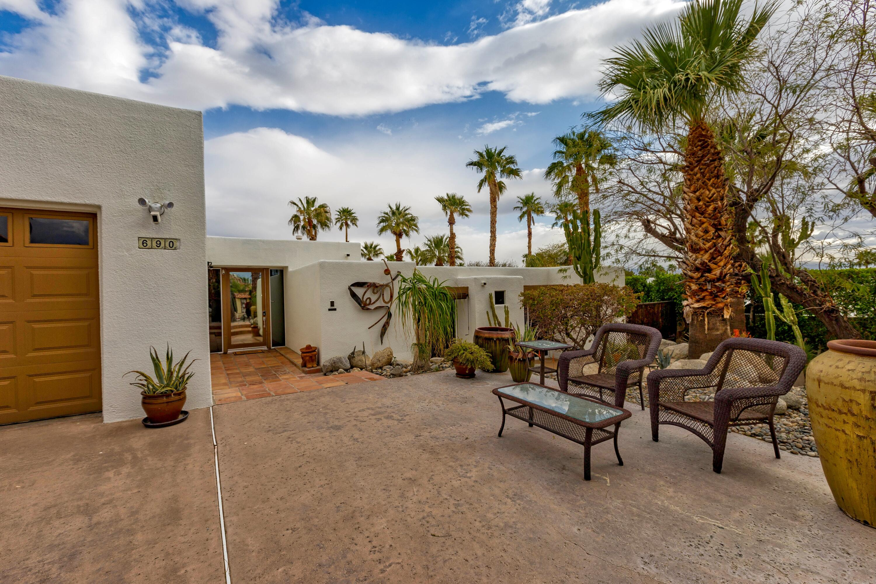 Photo of 690 W Racquet Club Road, Palm Springs, CA 92262