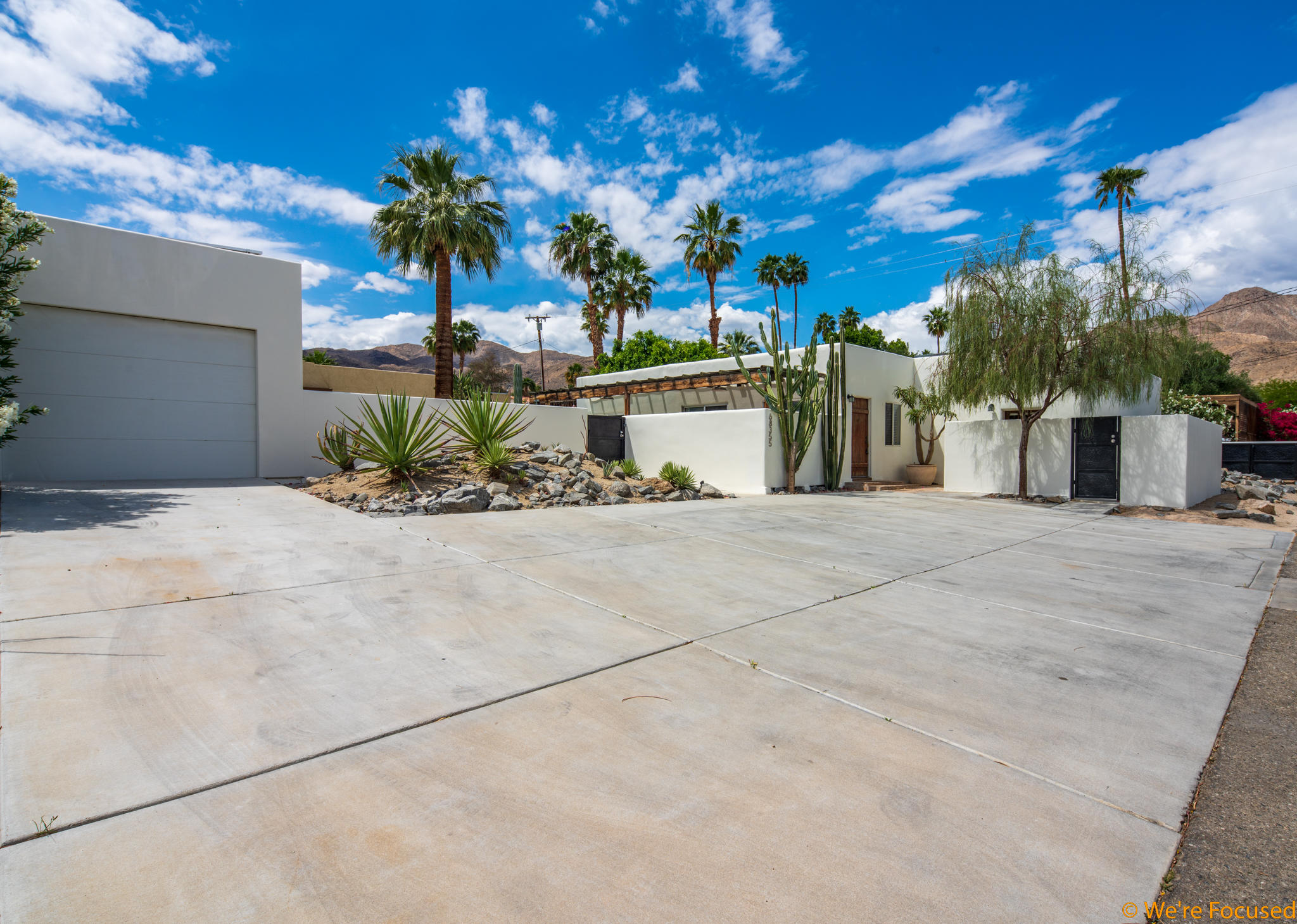 Top Performing Sante Fe home! If you are looking for the best floor plan in the Cathedral City Cove division.. here we present a 2500 square feet single story home, 6 bedrooms including the casita with its private bathroom, and a pool house! Open kitchen, an entertainers delight. Beautiful mountain views all around, you can feel the calmness and exclusiveness of the area! Many windows for that natural lighting. Tri-level pool with large spa, infinity edge, and a waterfall for your hot days! Steam room also included. Limitless upgrades.. this home appeals to even the most discriminating buyers! Come make this your desert getaway.