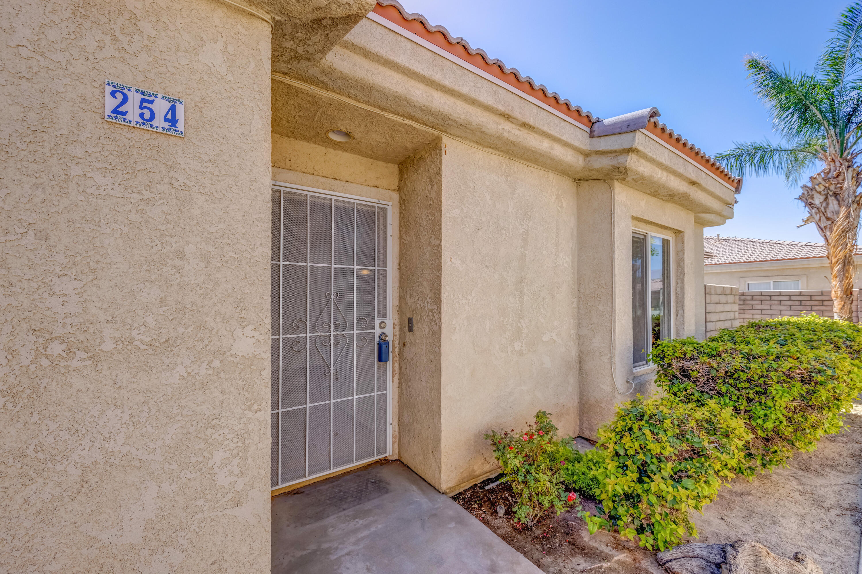 Back on market! Buyer couldn't perform. Turnkey condo features 2 bedroom, 2 bath, plus den/ 3rd bedroom and detached garage. Appliances included. The Summer Breeze community amenities include tennis courts, pools and spa, clubhouse,  basketball courts. This community is approved for FHA financing.
