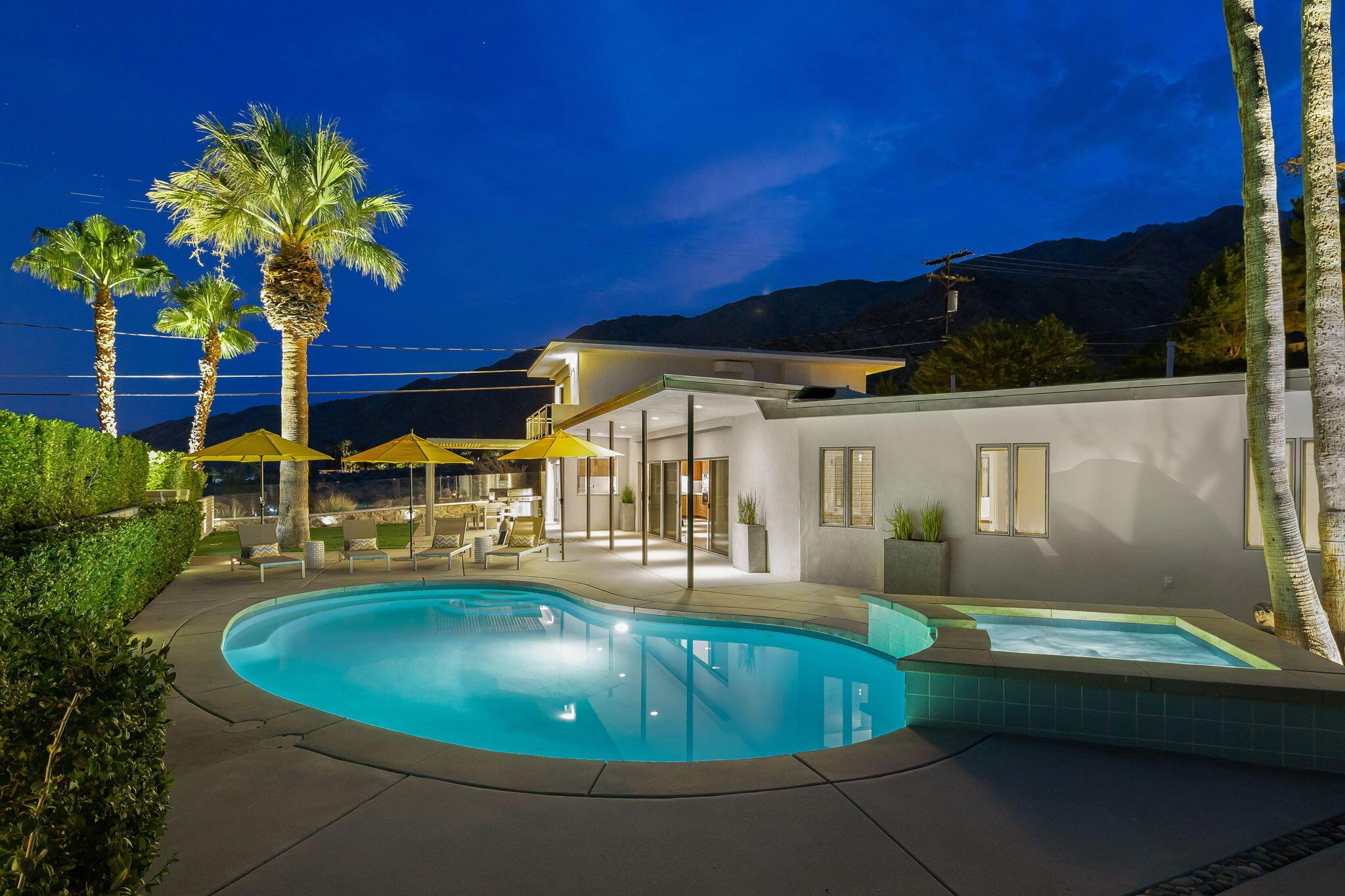 Photo of 2211 N Vista Drive, Palm Springs, CA 92262