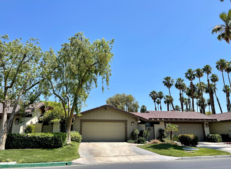 205 Bouquet Canyon Drive, Palm Desert, CA 92211