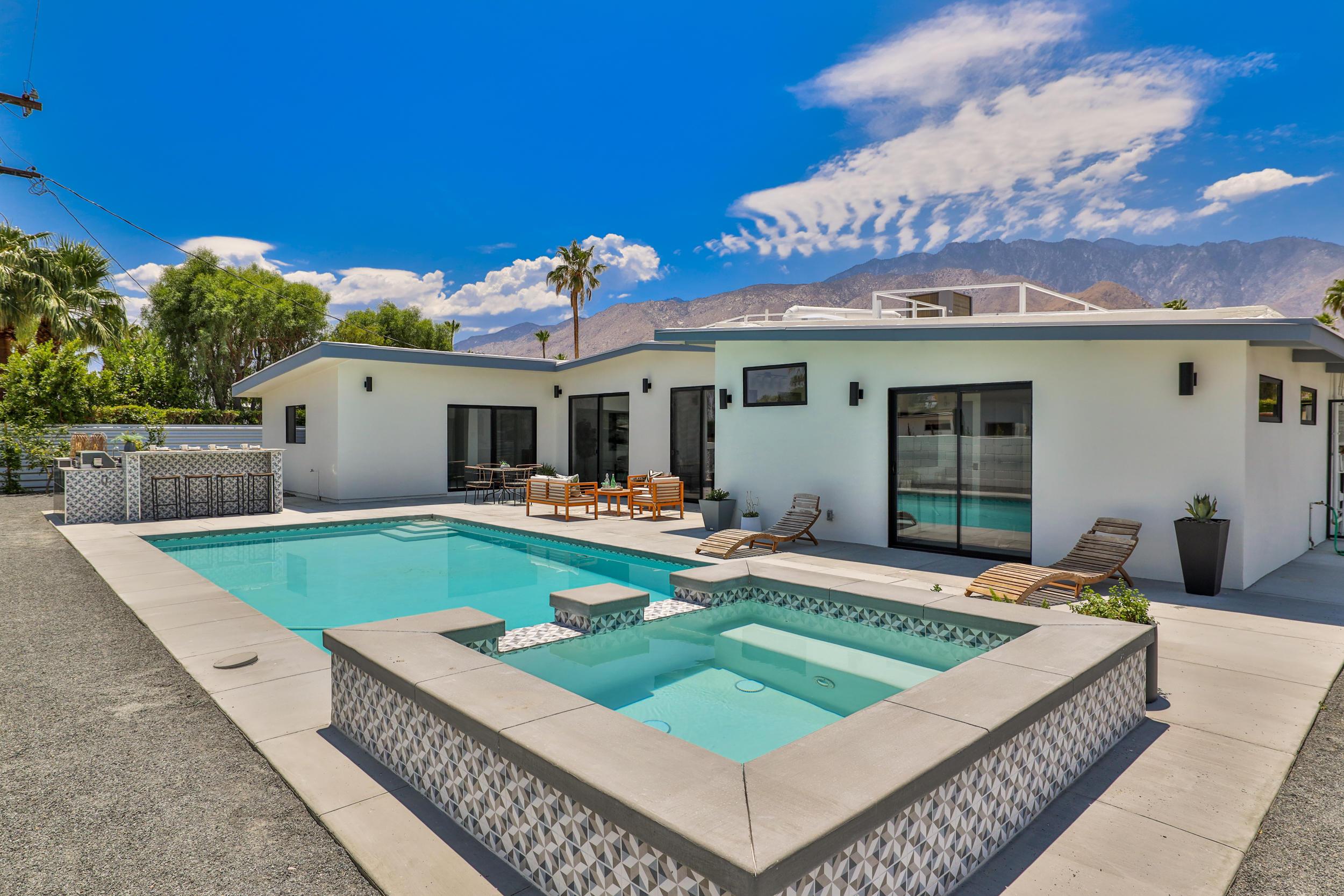 Photo of 2340 N Duane Road, Palm Springs, CA 92262