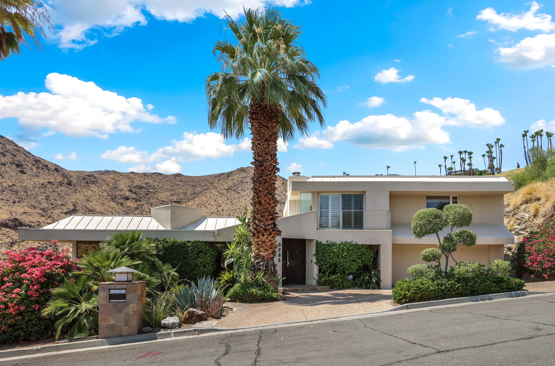 Photo of 3295 Tiger Tail Lane, Palm Springs, CA 92264