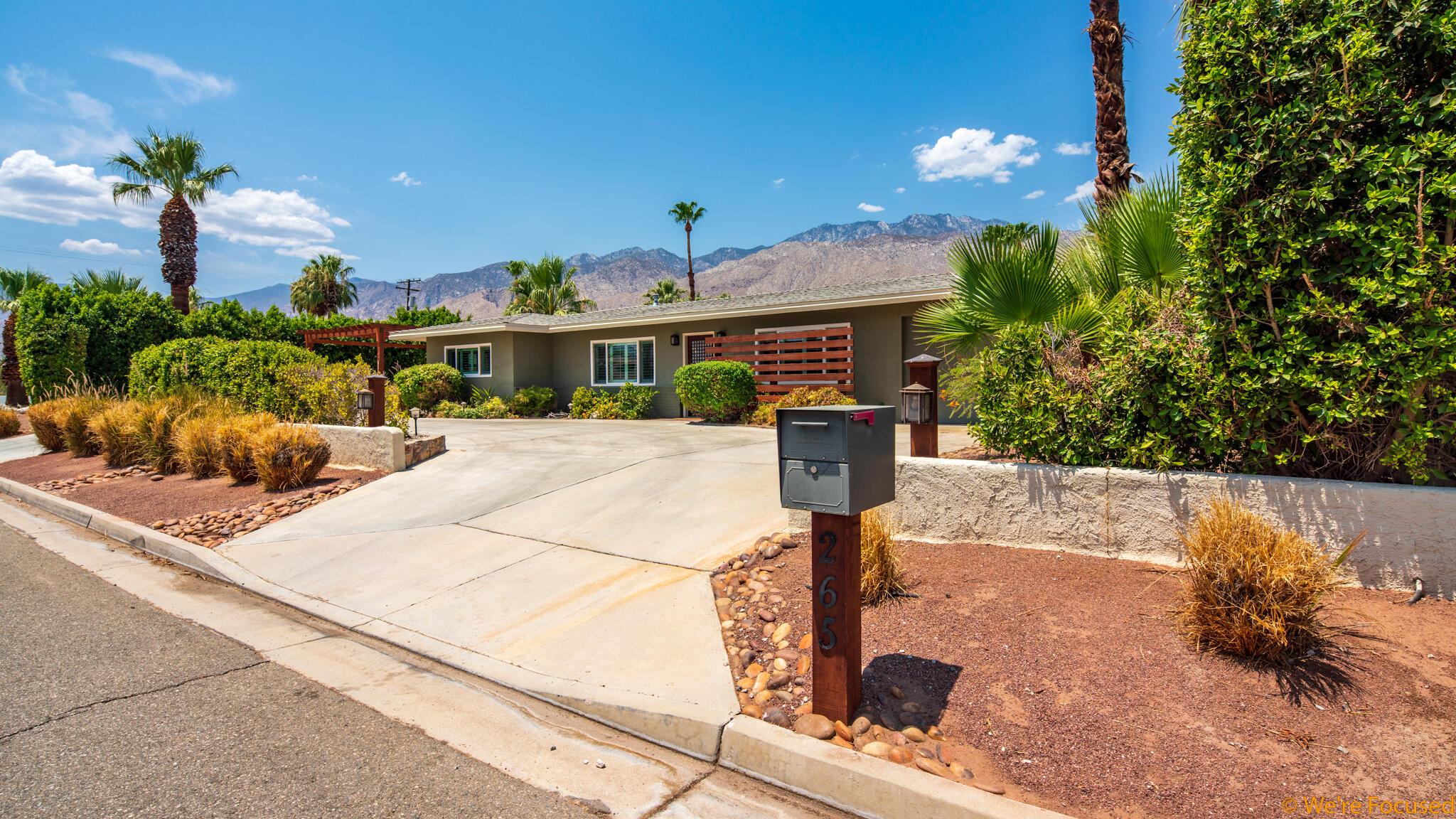 Photo of 265 N Saturmino Drive, Palm Springs, CA 92262